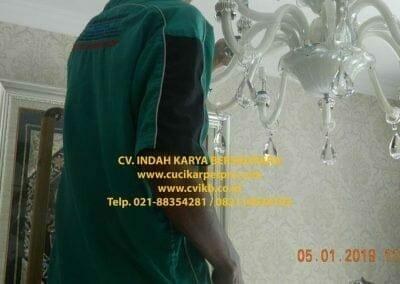 cuci-lampu-kristal-ibu-christine-24