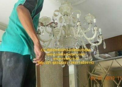 cuci-lampu-kristal-ibu-christine-25