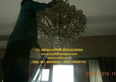cuci-lampu-kristal-ibu-christine-32