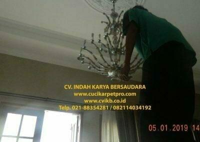 cuci-lampu-kristal-ibu-christine-36