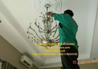 cuci-lampu-kristal-ibu-christine-38