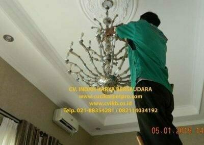 cuci-lampu-kristal-ibu-christine-39