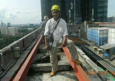 pembersih-kaca-gedung-hotel-crowne-plaza-jakarta-04