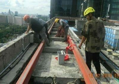pembersih-kaca-gedung-hotel-crowne-plaza-jakarta-07