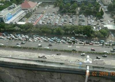 pembersih-kaca-gedung-hotel-crowne-plaza-jakarta-08