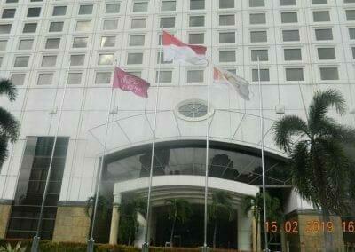 pembersih-kaca-gedung-hotel-crowne-plaza-jakarta-20