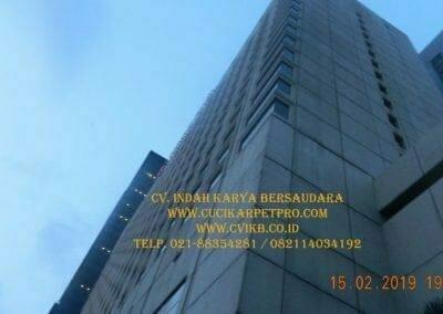 pembersih-kaca-gedung-hotel-crowne-plaza-jakarta-30
