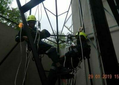 sertifikasi-tkpk-pembersih-kaca-gedung-119