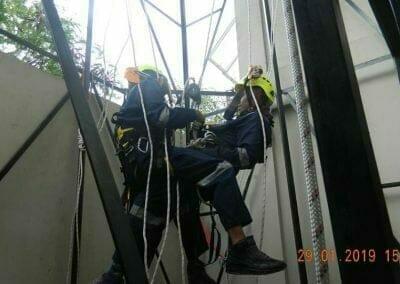sertifikasi-tkpk-pembersih-kaca-gedung-122