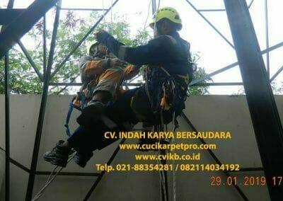 sertifikasi-tkpk-pembersih-kaca-gedung-134