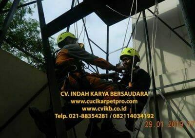 sertifikasi-tkpk-pembersih-kaca-gedung-137