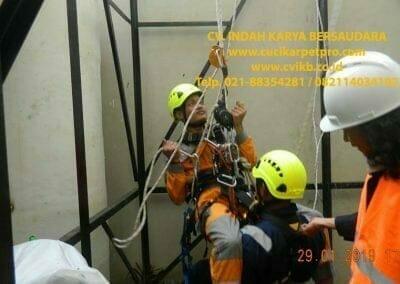 sertifikasi-tkpk-pembersih-kaca-gedung-142