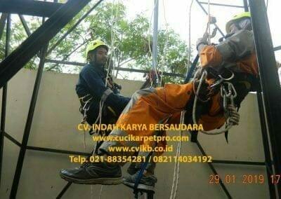 sertifikasi-tkpk-pembersih-kaca-gedung-148
