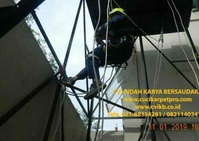 sertifikasi-tkpk-pembersih-kaca-gedung-166