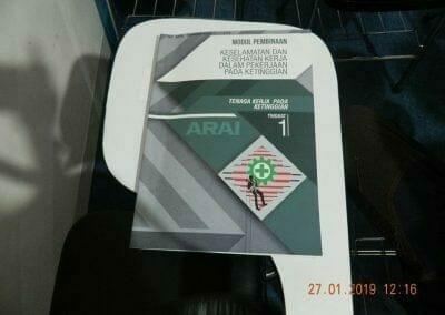sertifikasi-tkpk-pembersih-kaca-gedung-24
