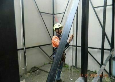 sertifikasi-tkpk-pembersih-kaca-gedung-32