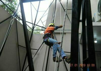 sertifikasi-tkpk-pembersih-kaca-gedung-33