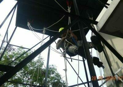 sertifikasi-tkpk-pembersih-kaca-gedung-98