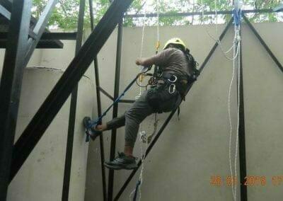 sertifikasi-tkpk-pembersih-kaca-gedung-99
