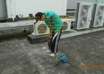 cuci-kaca-gedung-meira-manufacturing-hari-kedua-02