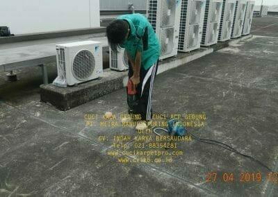 cuci-kaca-gedung-meira-manufacturing-hari-kedua-03