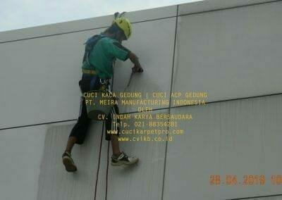 cuci-kaca-gedung-meira-manufacturing-hari-ketiga-03