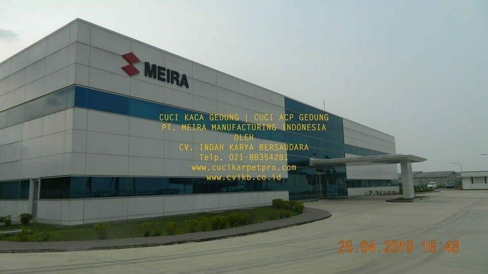 Cuci Kaca Gedung Meira Manufacturing Indonesia Hari Pertama