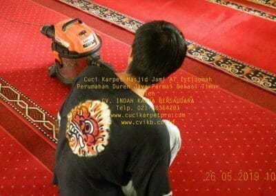 cuci-karpet-masjid-jami-al-istiqomah-10