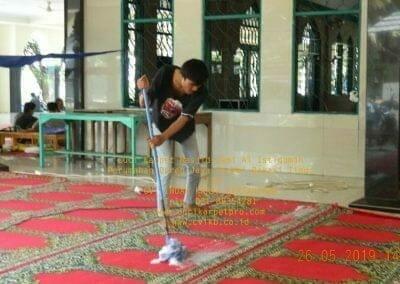 cuci-karpet-masjid-jami-al-istiqomah-63