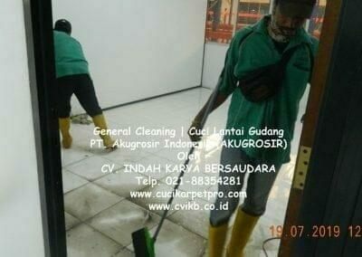 general-cleaning-cuci-lantai-gudang-akugrosir-03