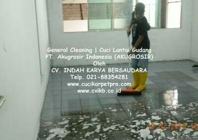 general-cleaning-cuci-lantai-gudang-akugrosir-61