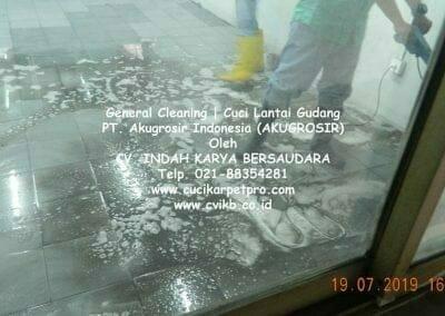 general-cleaning-cuci-lantai-gudang-akugrosir-65