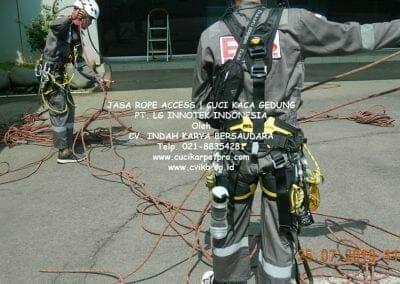 jasa-rope-access-gedung-pt-lg-08