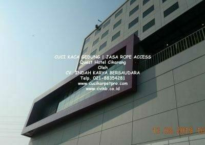cuci-kaca-gedung-quest-hotel-08