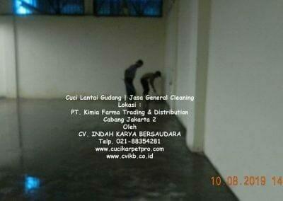 cuci-lantai-gudang-kimia-farma-07