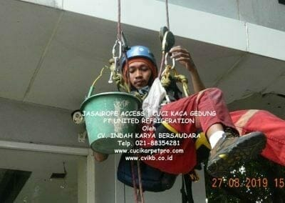 jasa-rope-access-pt-united-refrigeration-43
