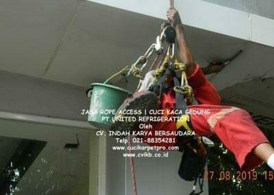 jasa-rope-access-pt-united-refrigeration-44