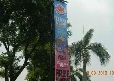 jasa-rope-access-cuci-pole-sign-burger-king-04