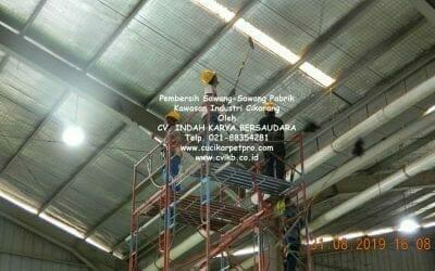 Pembersih Sawang-Sawang Pabrik Kawasan Industri Cikarang