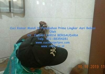 cuci-kamar-mandi-di-prima-lingkar-asri-04