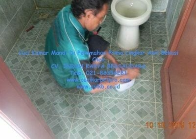 cuci-kamar-mandi-di-prima-lingkar-asri-32