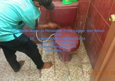 cuci-kamar-mandi-di-prima-lingkar-asri-37