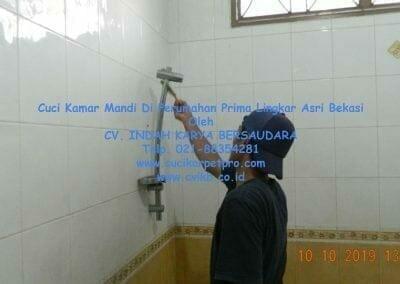 cuci-kamar-mandi-di-prima-lingkar-asri-49