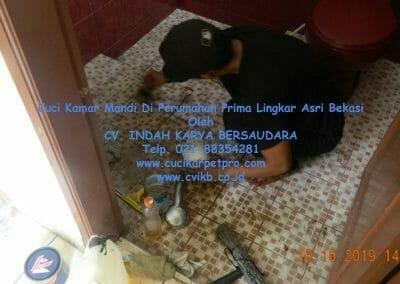 cuci-kamar-mandi-di-prima-lingkar-asri-67