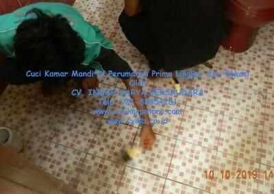 cuci-kamar-mandi-di-prima-lingkar-asri-68