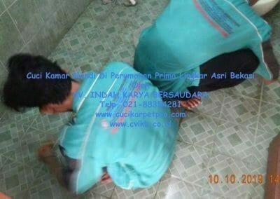 cuci-kamar-mandi-di-prima-lingkar-asri-71