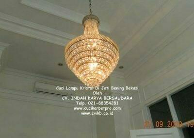 cuci-lampu-kristal-di-jati-bening-01