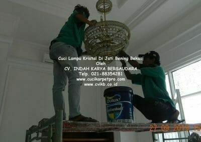 cuci-lampu-kristal-di-jati-bening-17