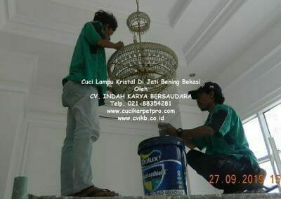 cuci-lampu-kristal-di-jati-bening-18