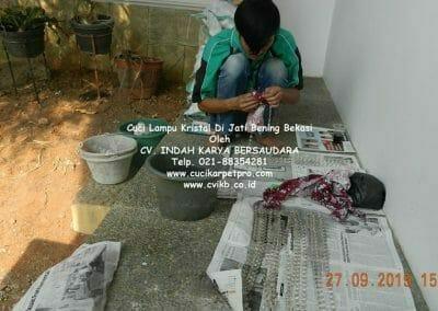cuci-lampu-kristal-di-jati-bening-21